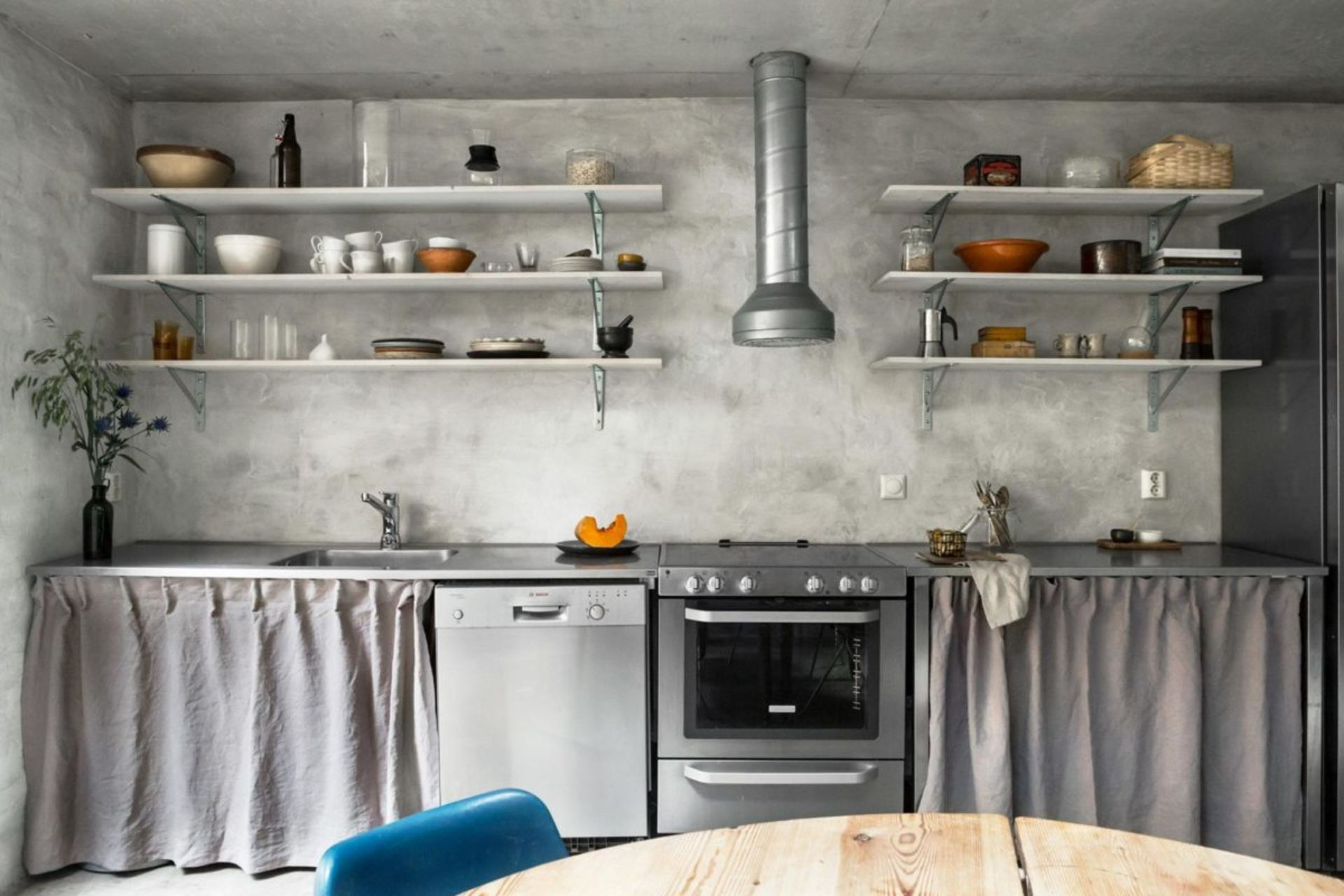 Modern or Prehistoric: Concrete Trends in Home Decor