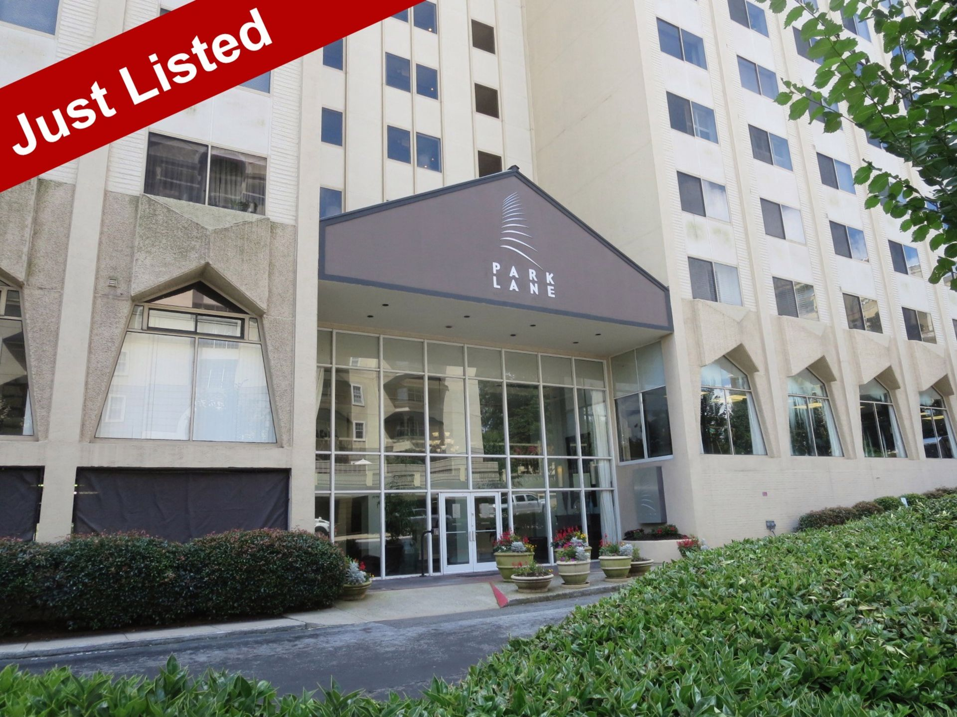 Upscale Living in Exciting Buckhead