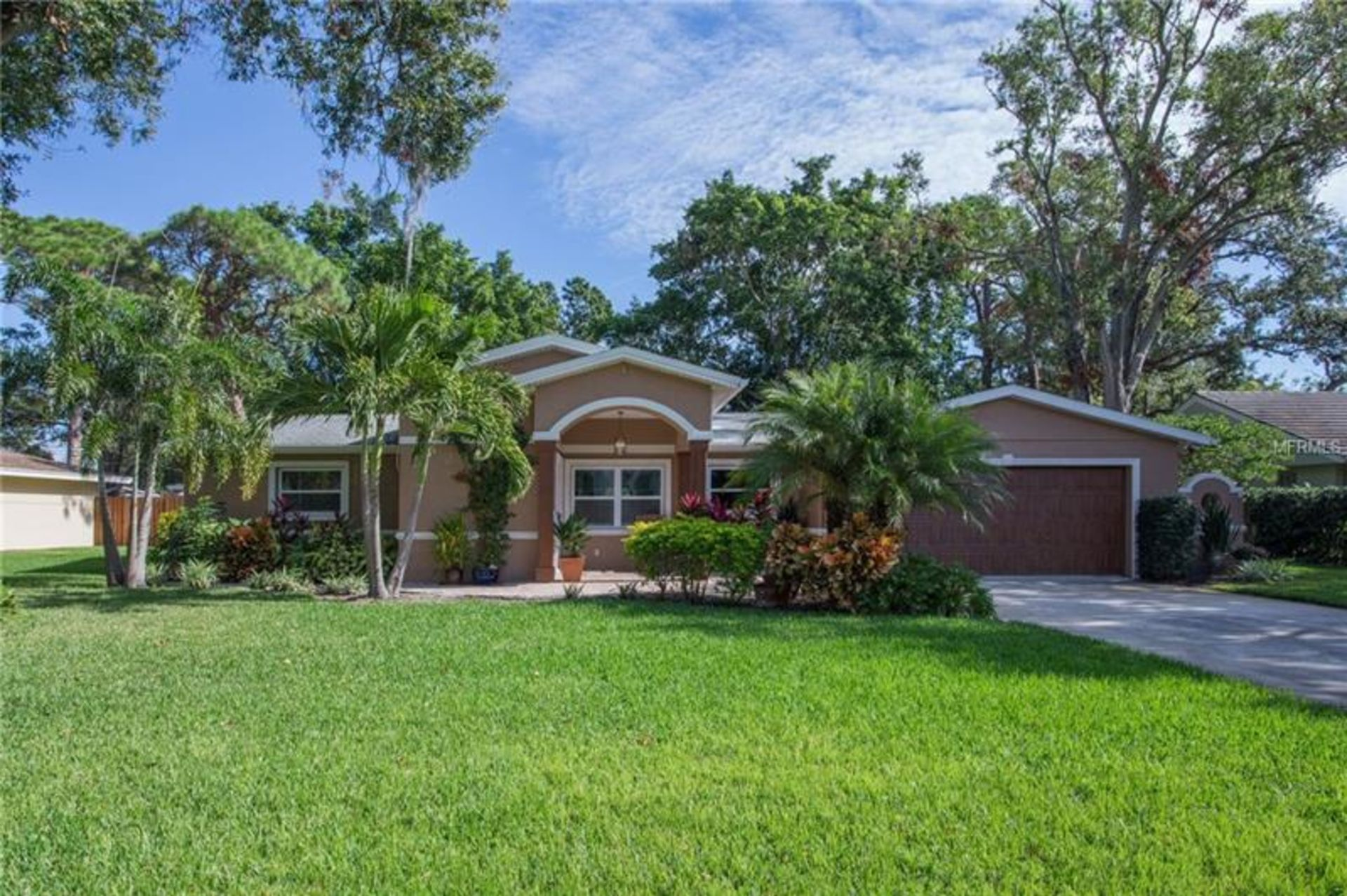 3297 WALNUT ST NE, ST PETERSBURG, FL 33704                                 Completely renovated and meticulously maintained