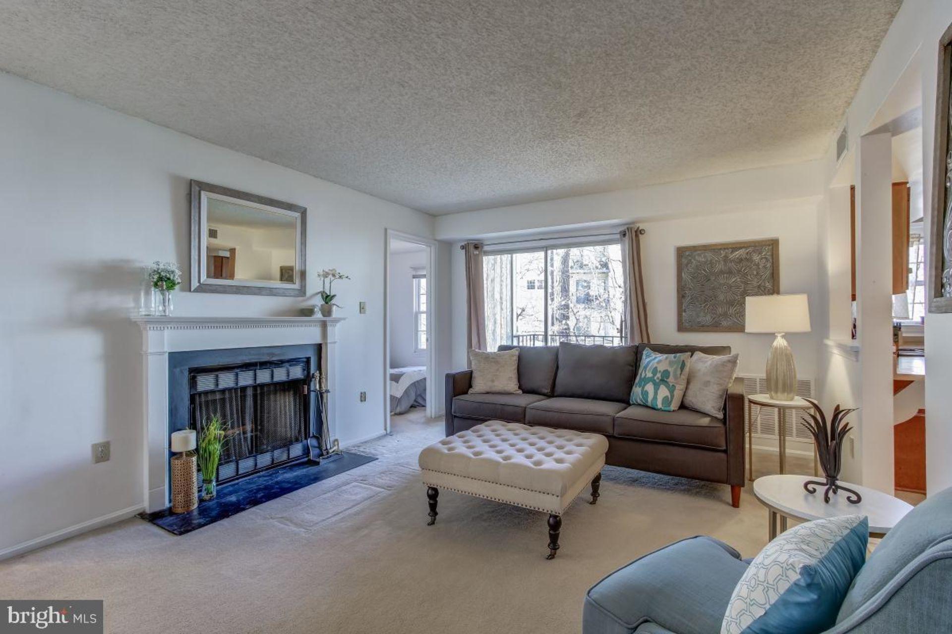 Just Listed 2 Bedroom Condo in Woodbridge, VA!