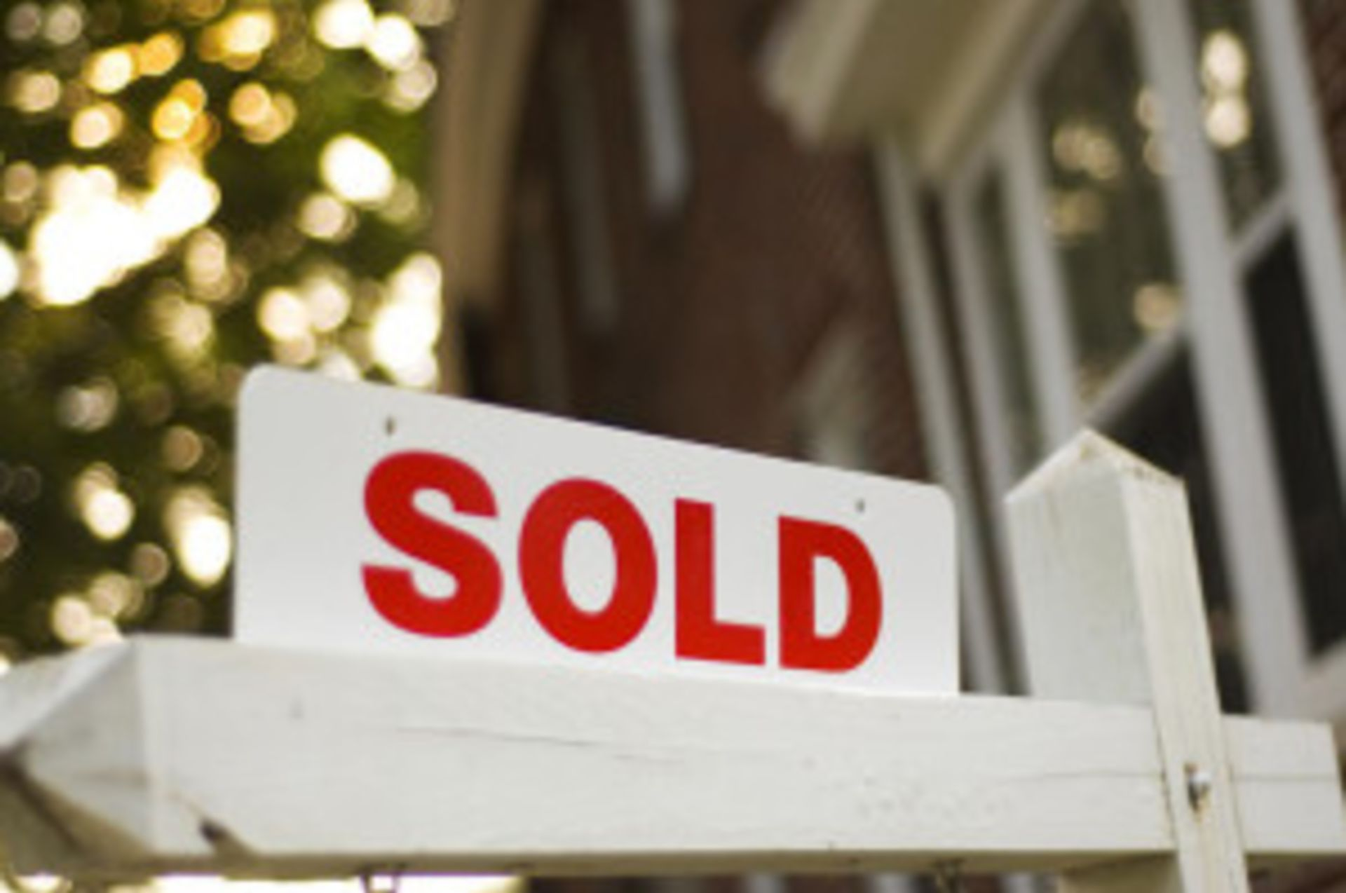 Market Update: Thinking of buying a house? Be ready, be knowledgeable, and be serious!
