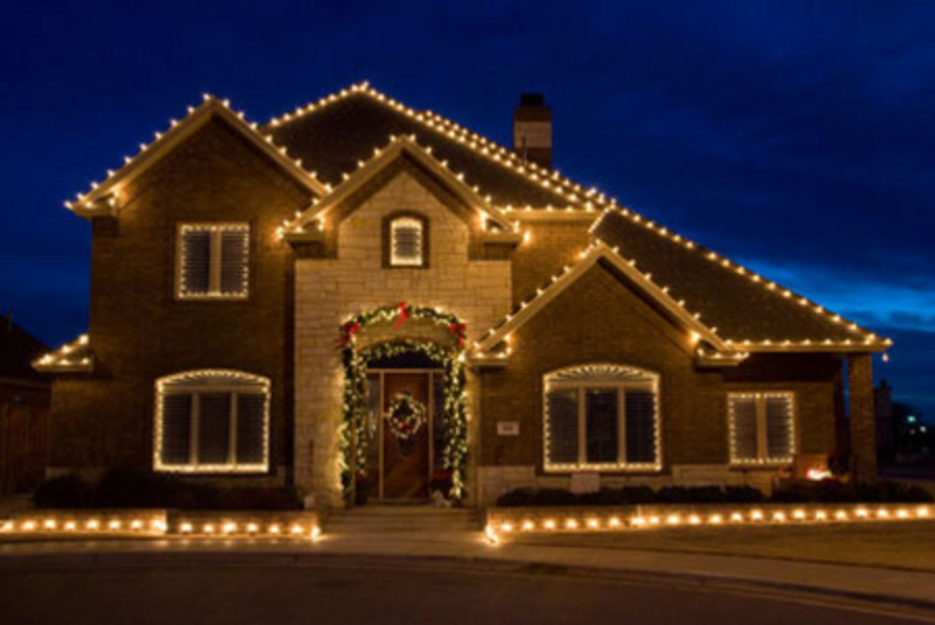 5 Benefits to House Hunt During The Holidays