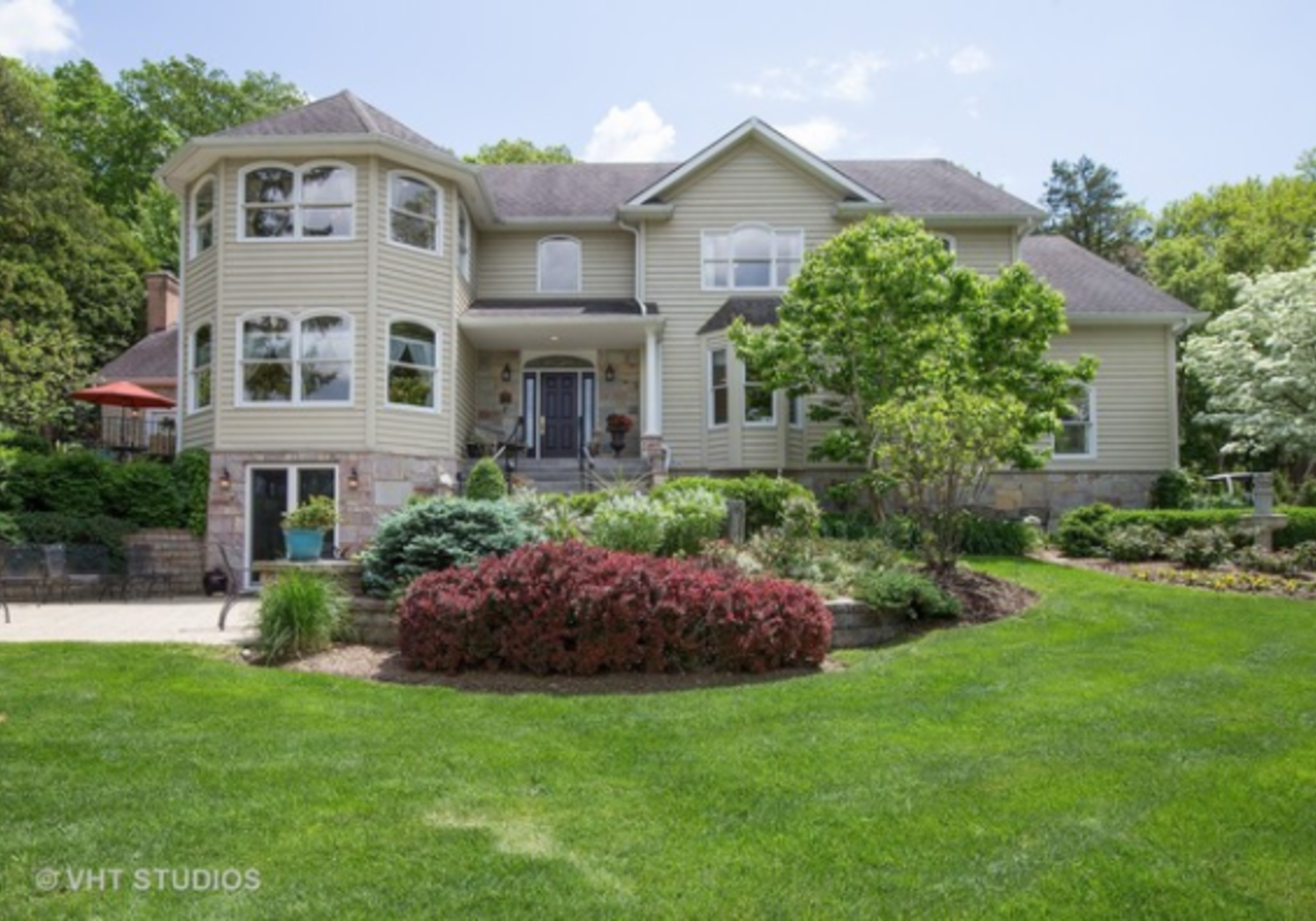 Hottest Luxury Listings in Algonquin