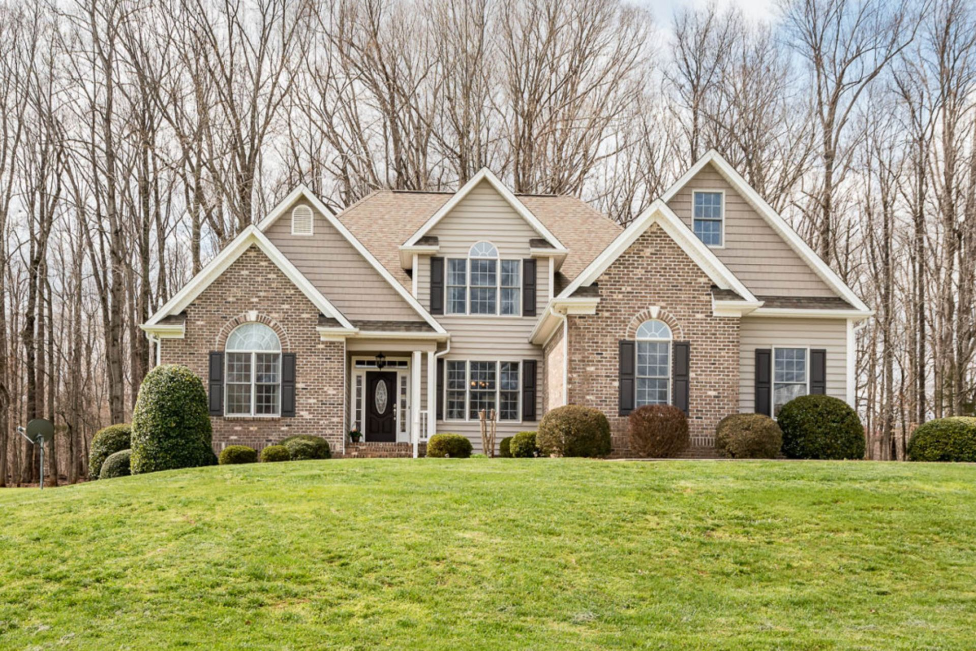 Elegant Country Home on 11 Acres