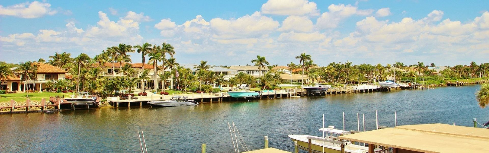 HILLSBORO BEACH, 2 BEDROOMS / 2 BATHROOMS, INTRACOASTAL FRONT, CORNER UNIT  FOR SALE
