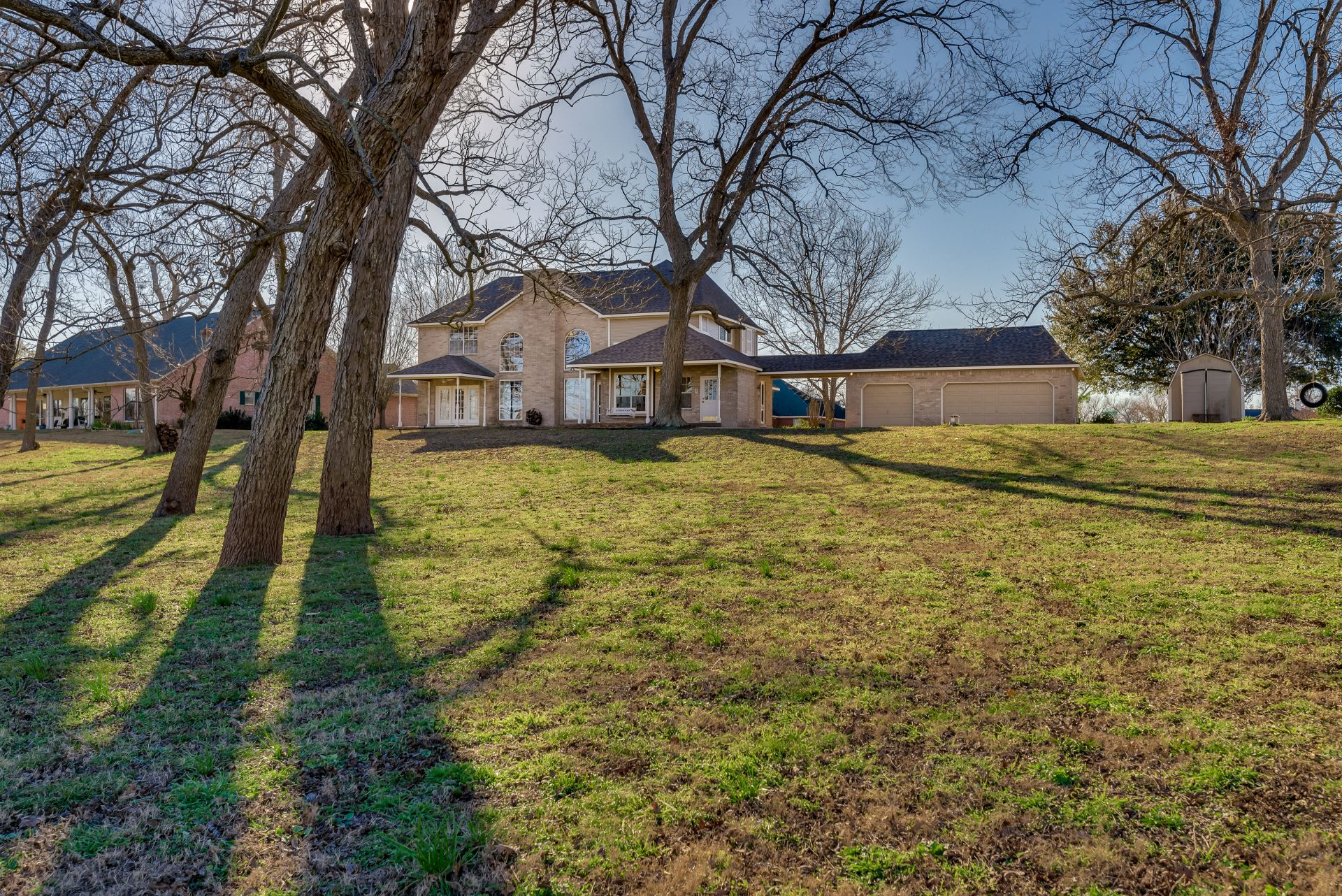 8002 Shamrock: Your Fixer Upper Dreams are Made Here