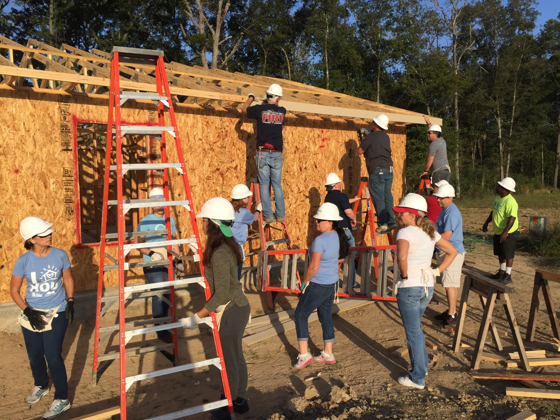 #MondayMinute: Hunzeker Team Habitat for Humanity Build Day