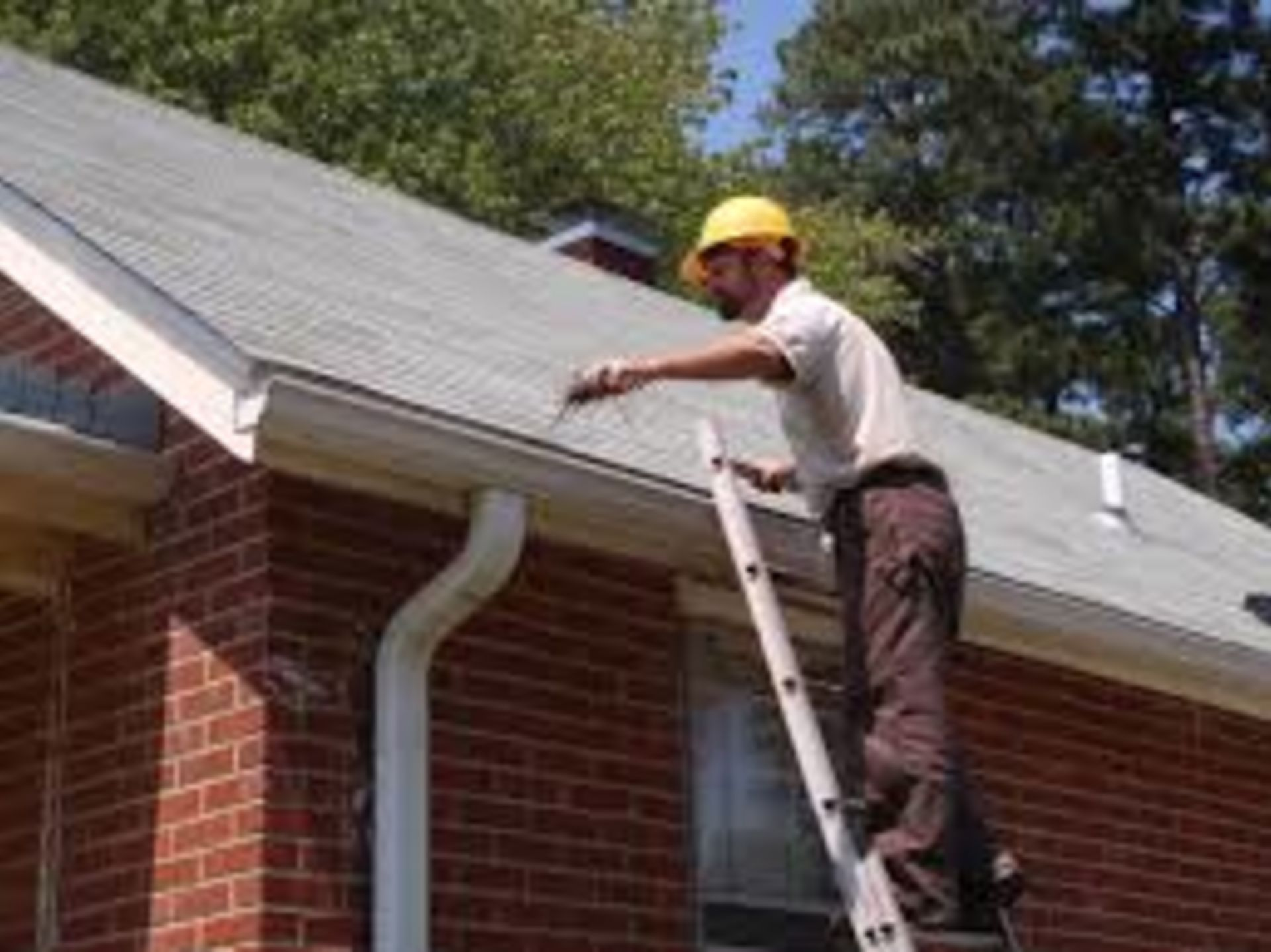 Tip of the Day: Schedule to Clean Out Your Rain Gutters