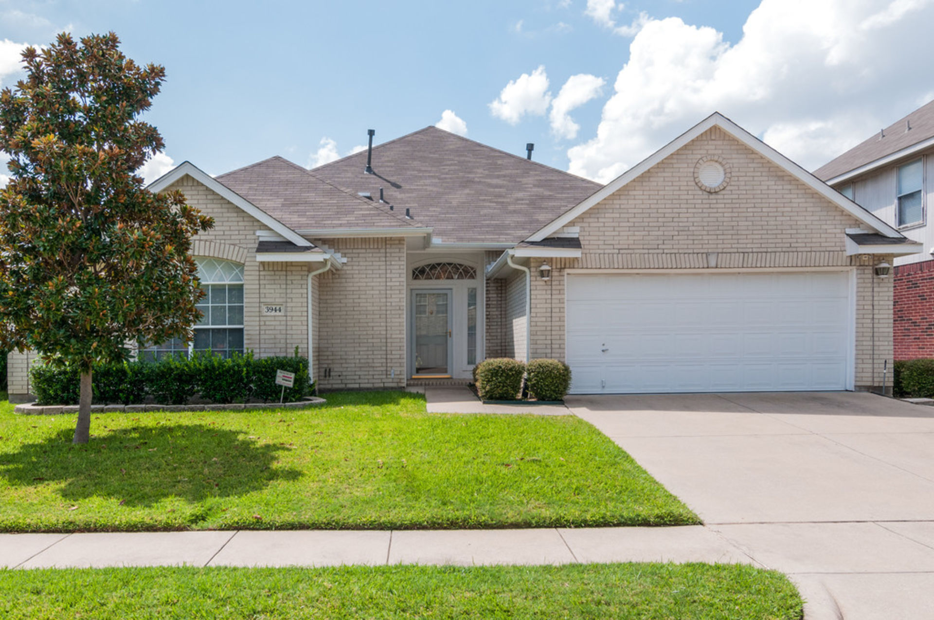 JUST LISTED IN HALTOM CITY