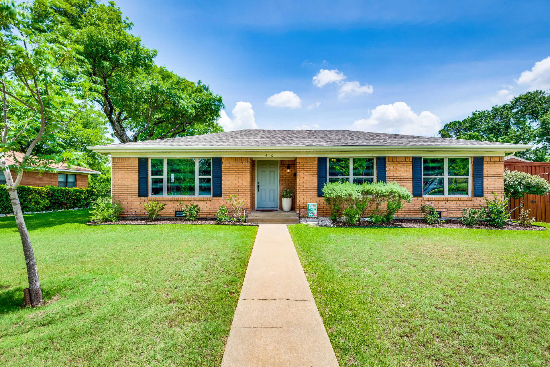 JUST LISTED IN LEWISVILLE!