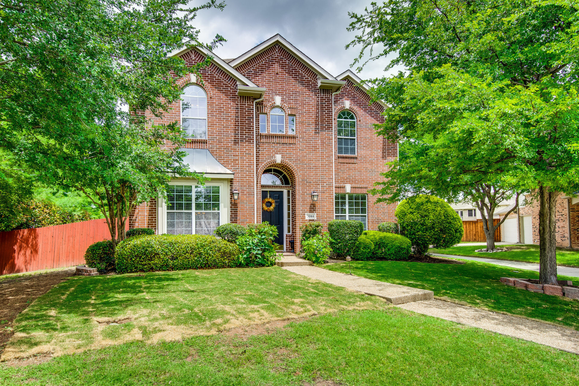 JUST LISTED IN FRISCO!