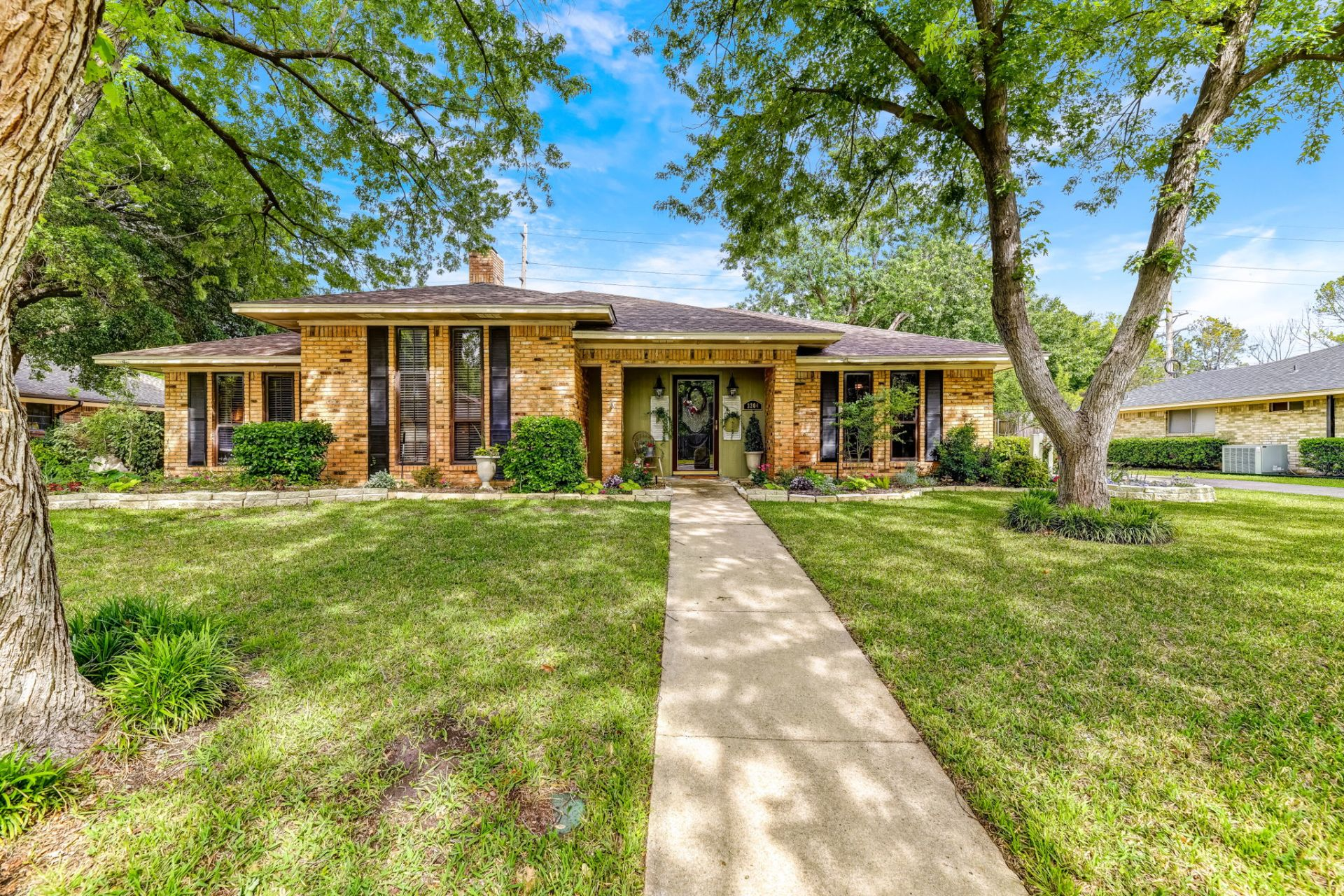 Just listed in Denton
