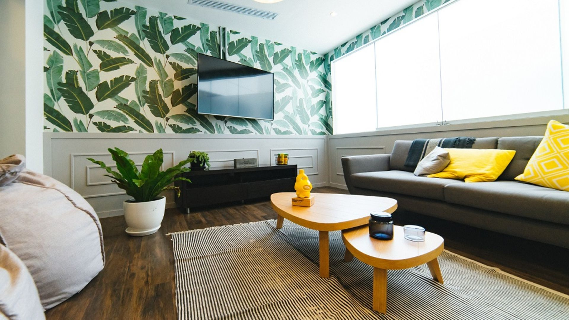 3 Ways to Turn Your Boring Rental into a Charming Oasis
