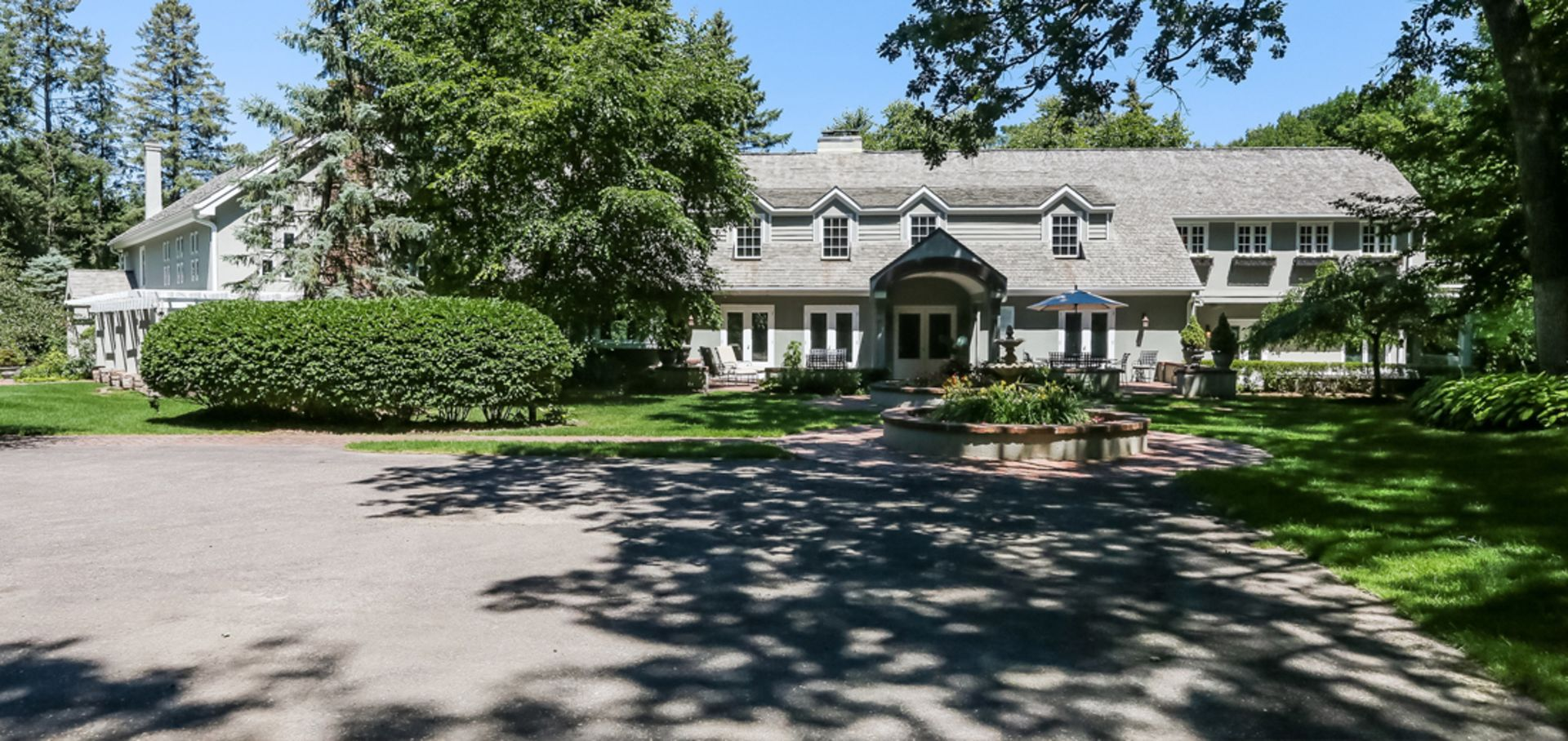 Luxurious & Classic Home in Orono