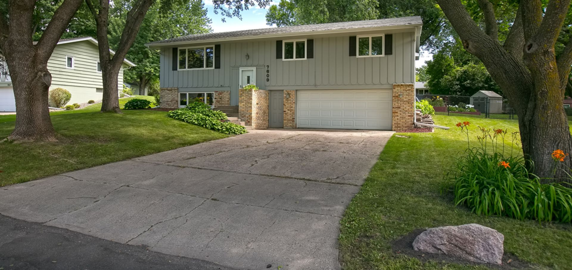 Quiet and Peaceful Home in Chanhassen