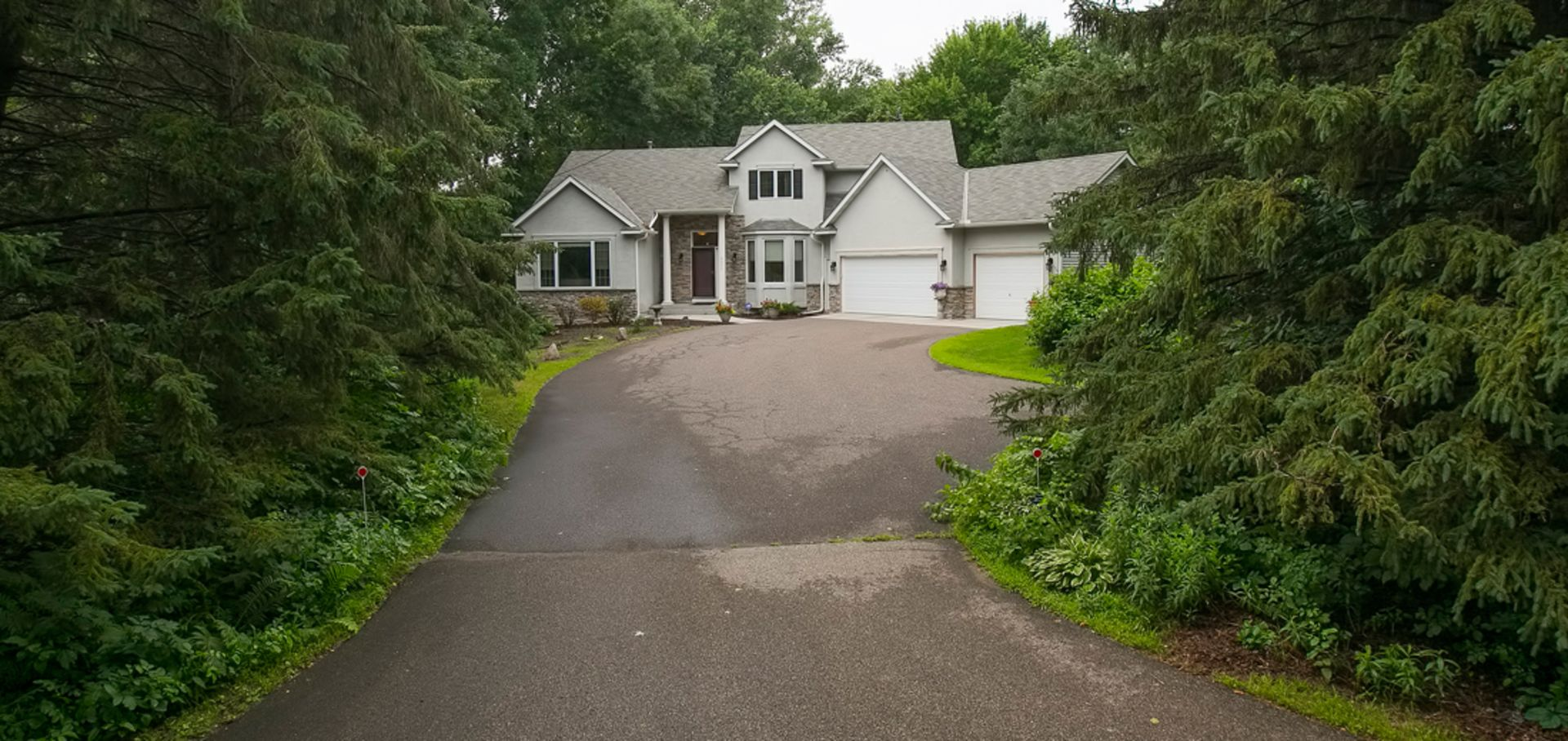 Beautiful Woodbury Home in Great Location