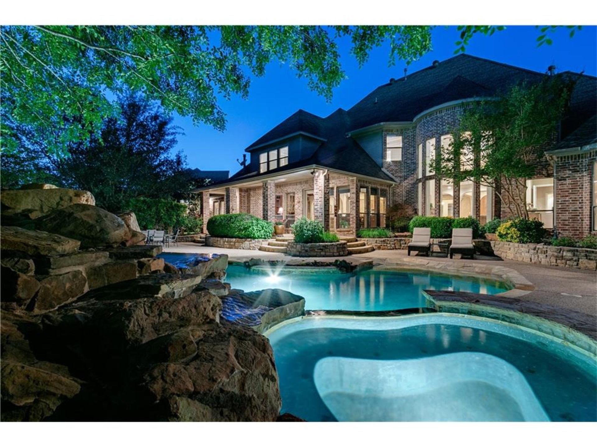OPEN HOUSE THIS SUNDAY: 715 Love Henry Court Southlake Texas
