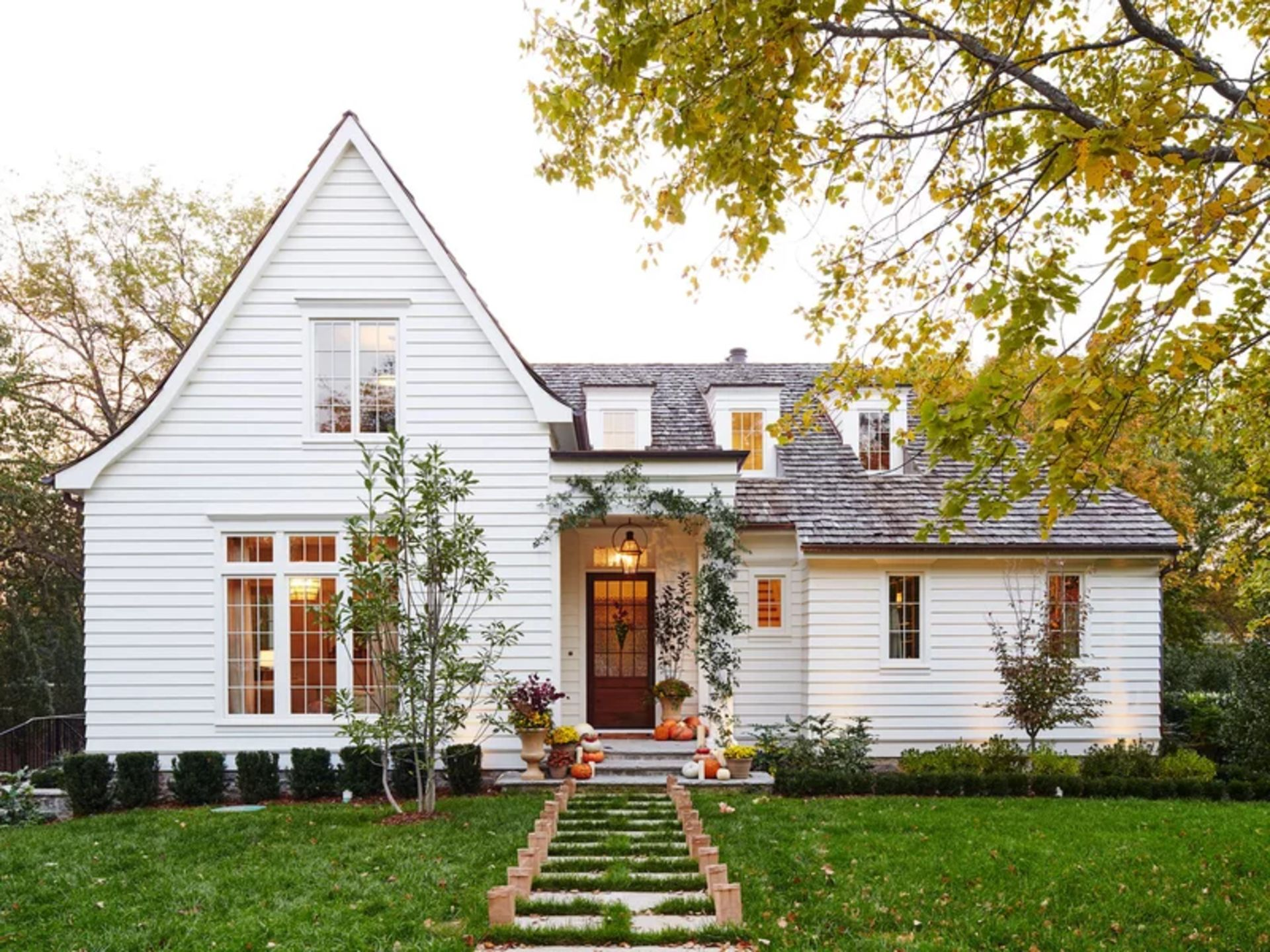 Here's how to negotiate when buying a home. (Spoiler alert: It's not like on HGTV.)