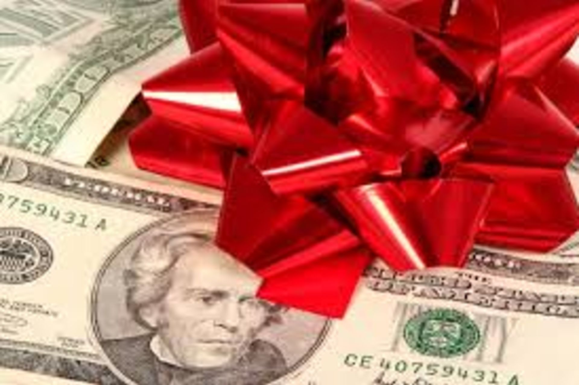 Don't Let Christmas Ruin Your Credit: 9 Mistakes Spending Mistakes To Avoid