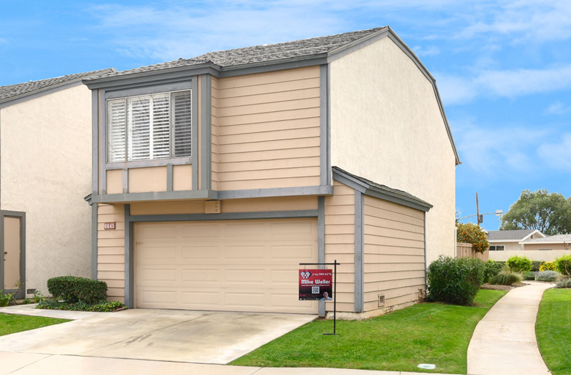 OPEN HOUSE: Dual Master Suite Home w/ Additional Sunroom!