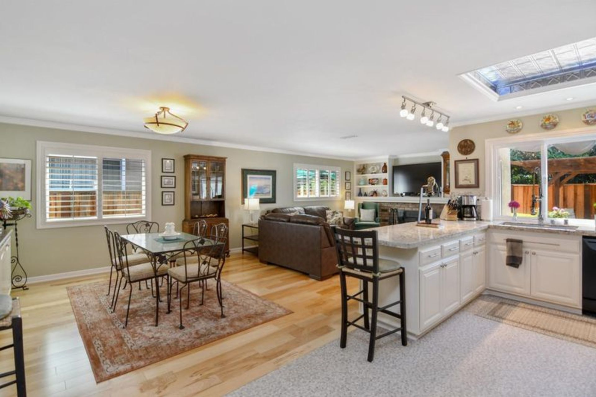 Open House: May 11: 1918 Orolette Pl.