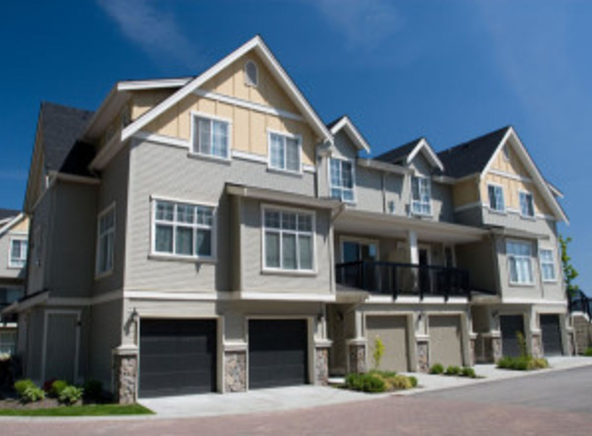 Multifamily Home? How Owning Several Units Can Lead to a Steady Cash Flow
