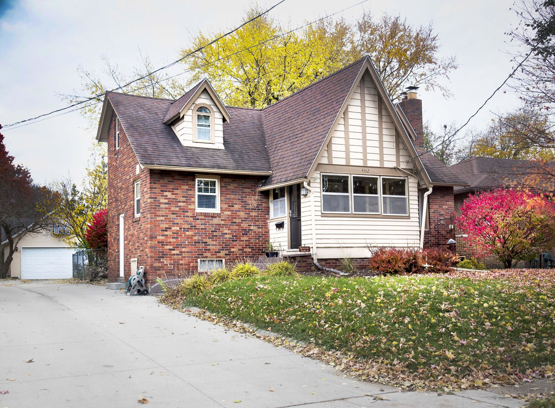 4312 New York Ave., Des Moines 50310