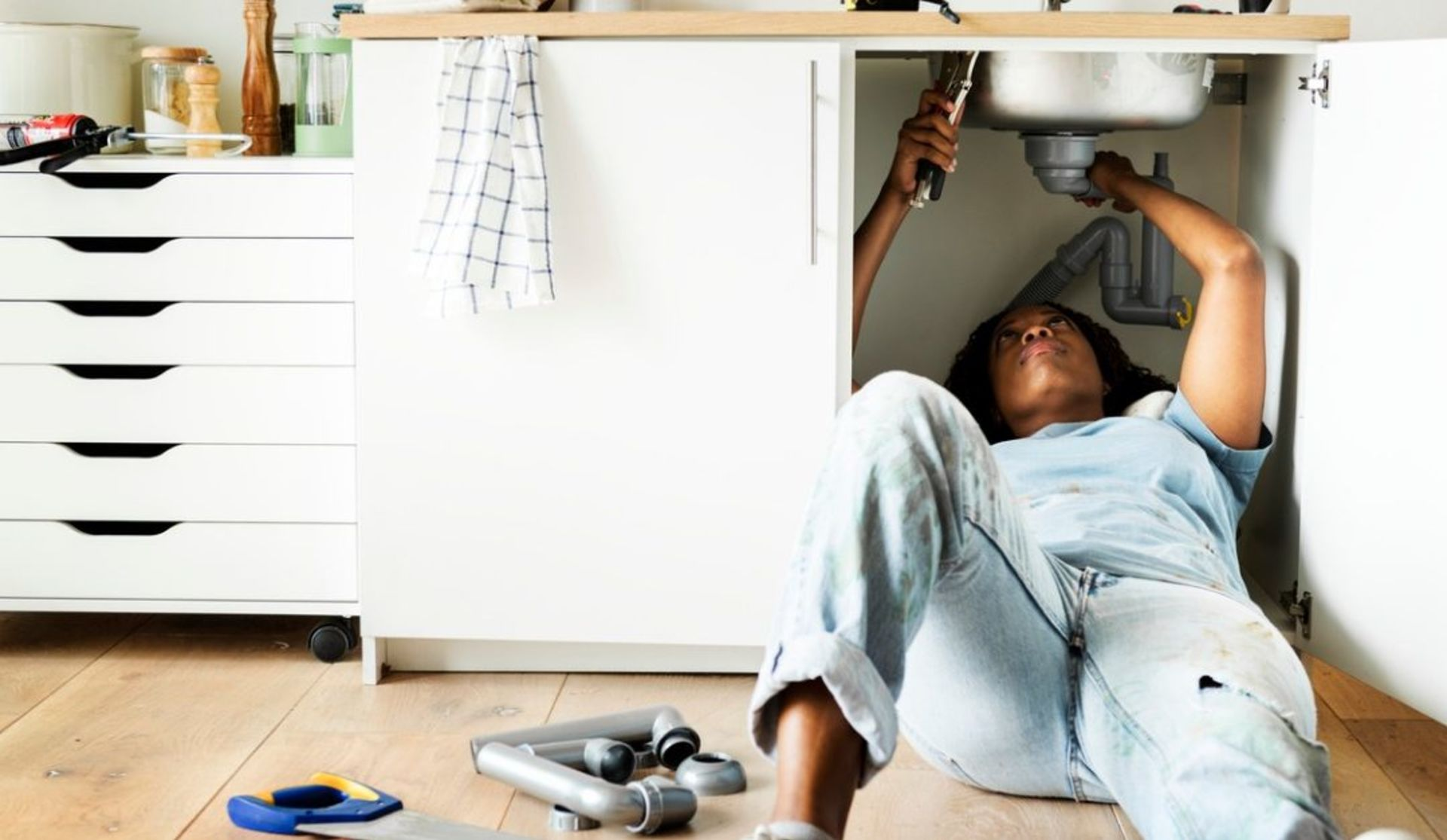 Should You Have Repairs Completed Before You Agree to Buy a House?