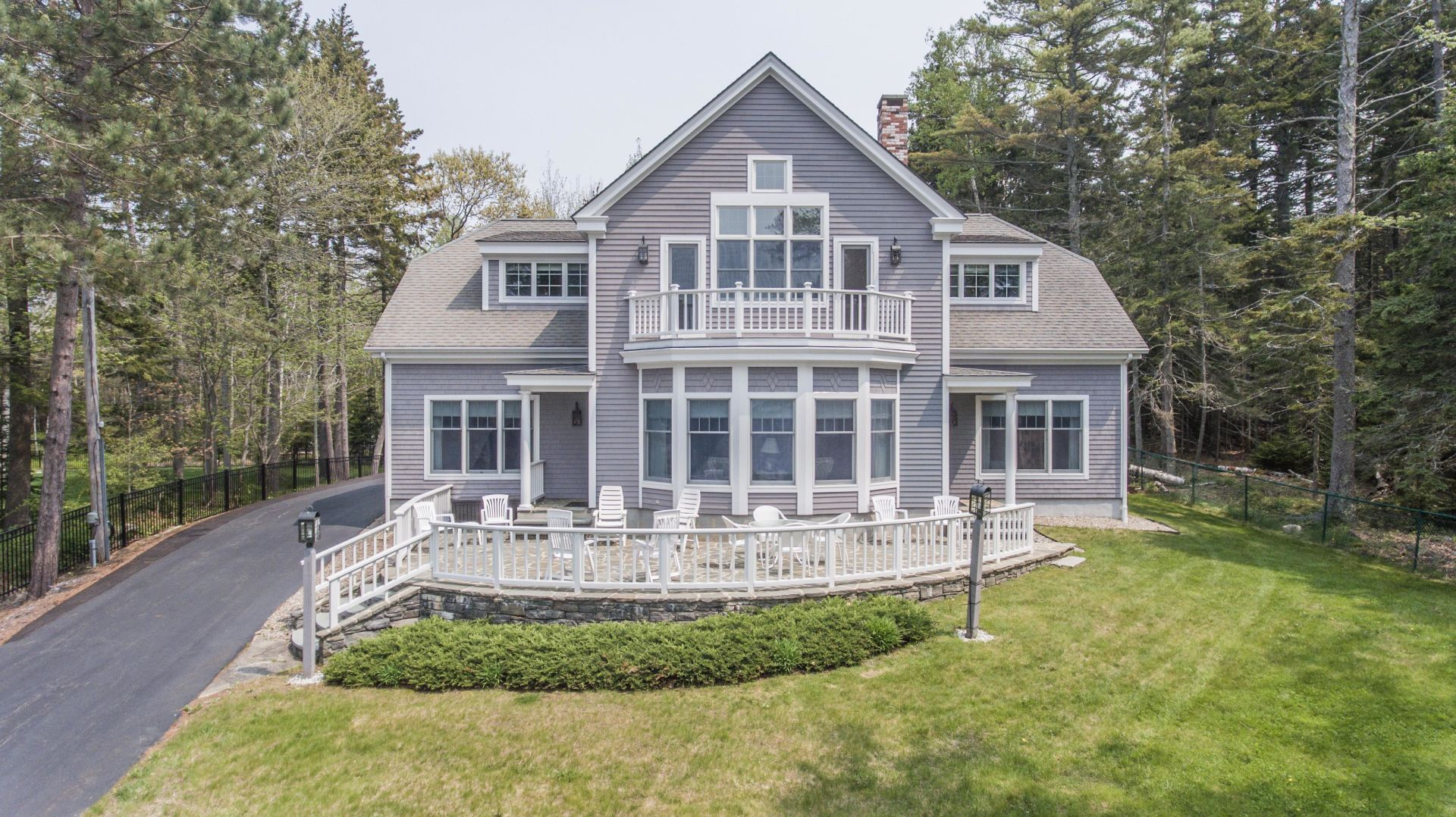 JUST LISTED – 28 Grandview Avenue, Boothbay Harbor, ME