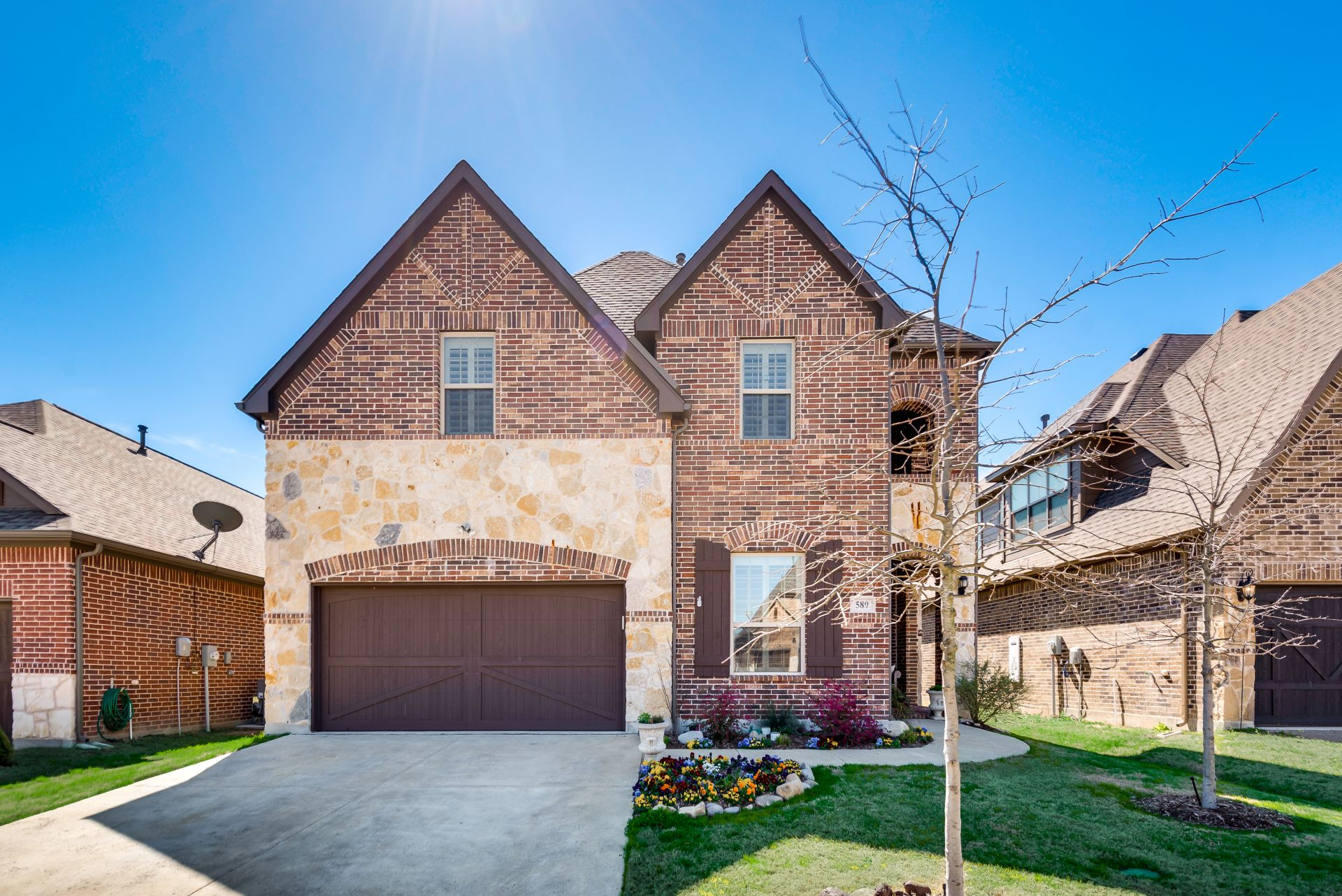 Beautiful new listing!  589 Bordeaux – Rockwall, TX 75087