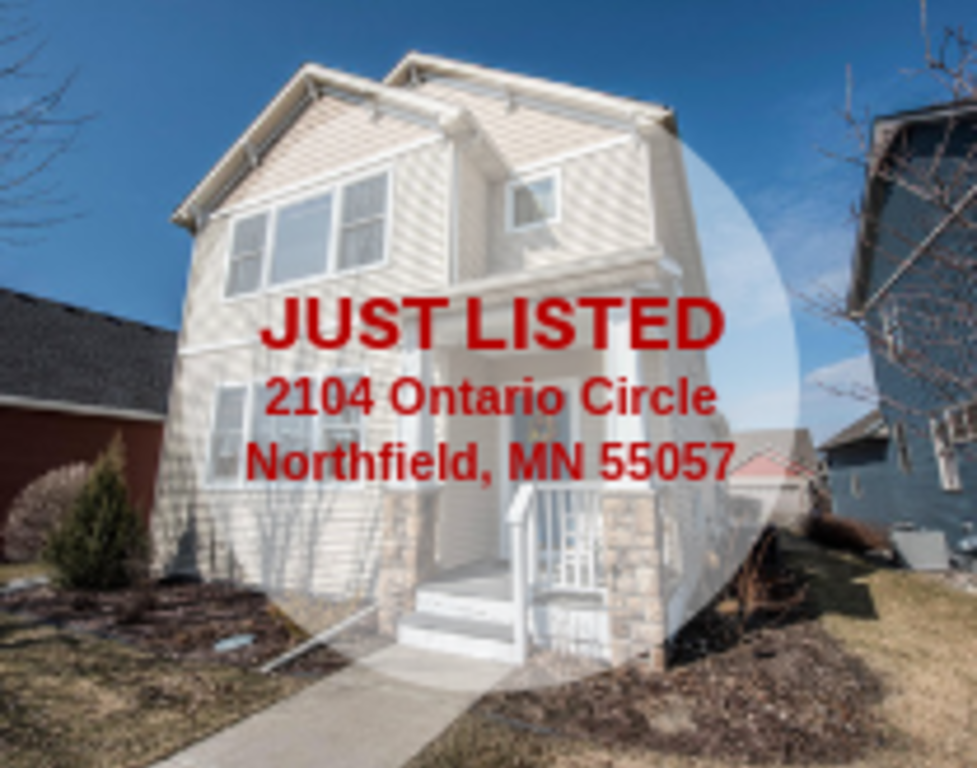 Detached Town-home in Northfield!