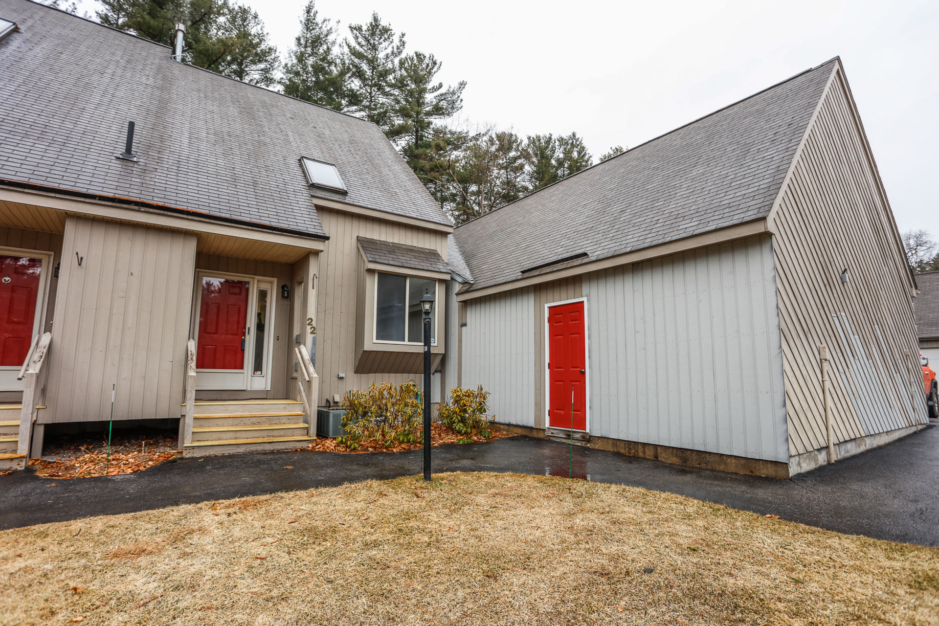 New Listing – 22 Suffolk Court, Bedford, NH 03110