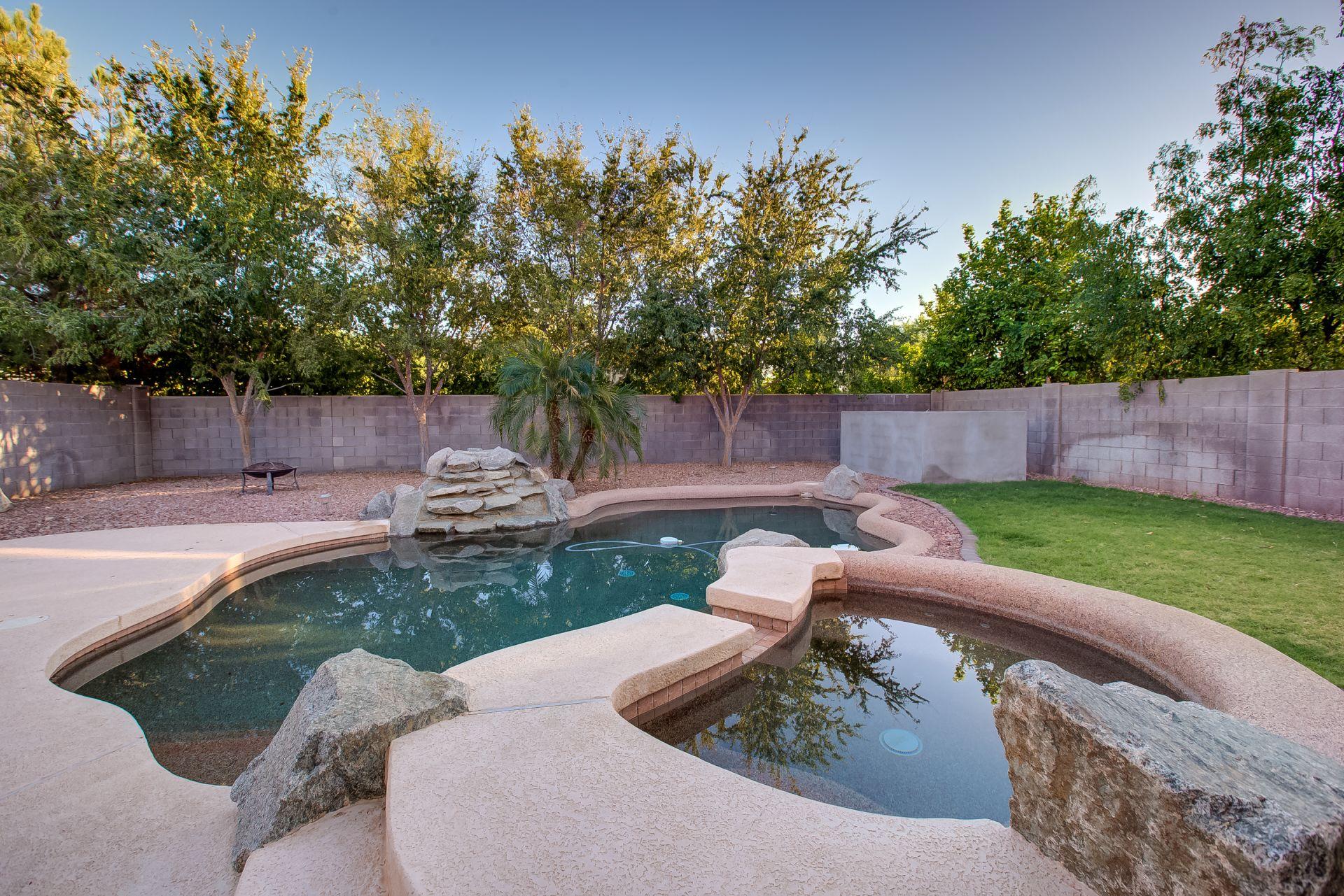 705 E IRMA LN, Phoenix, AZ 85024