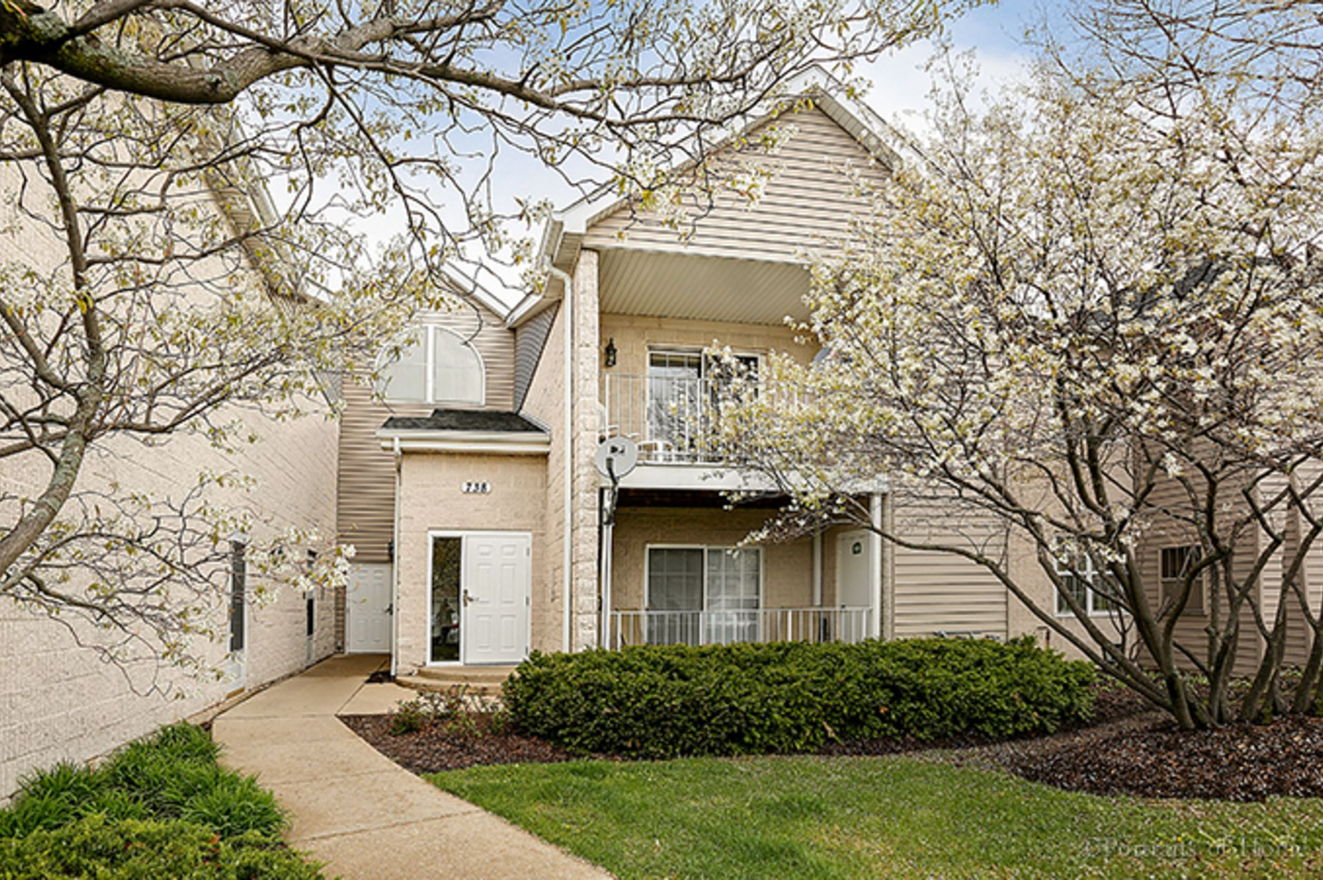 Just Sold!  Legends Condominium at 738 N. Gary Ave., Unit 205, Carol Stream, IL 60188