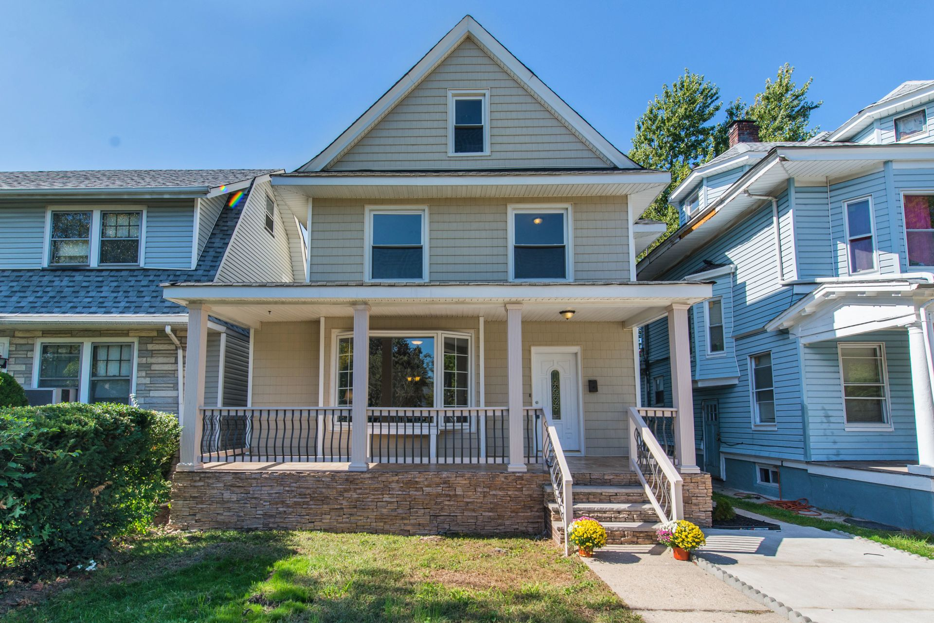 5 Bedroom Updated Side Hall Colonial for Sale in Bloomfield, NJ