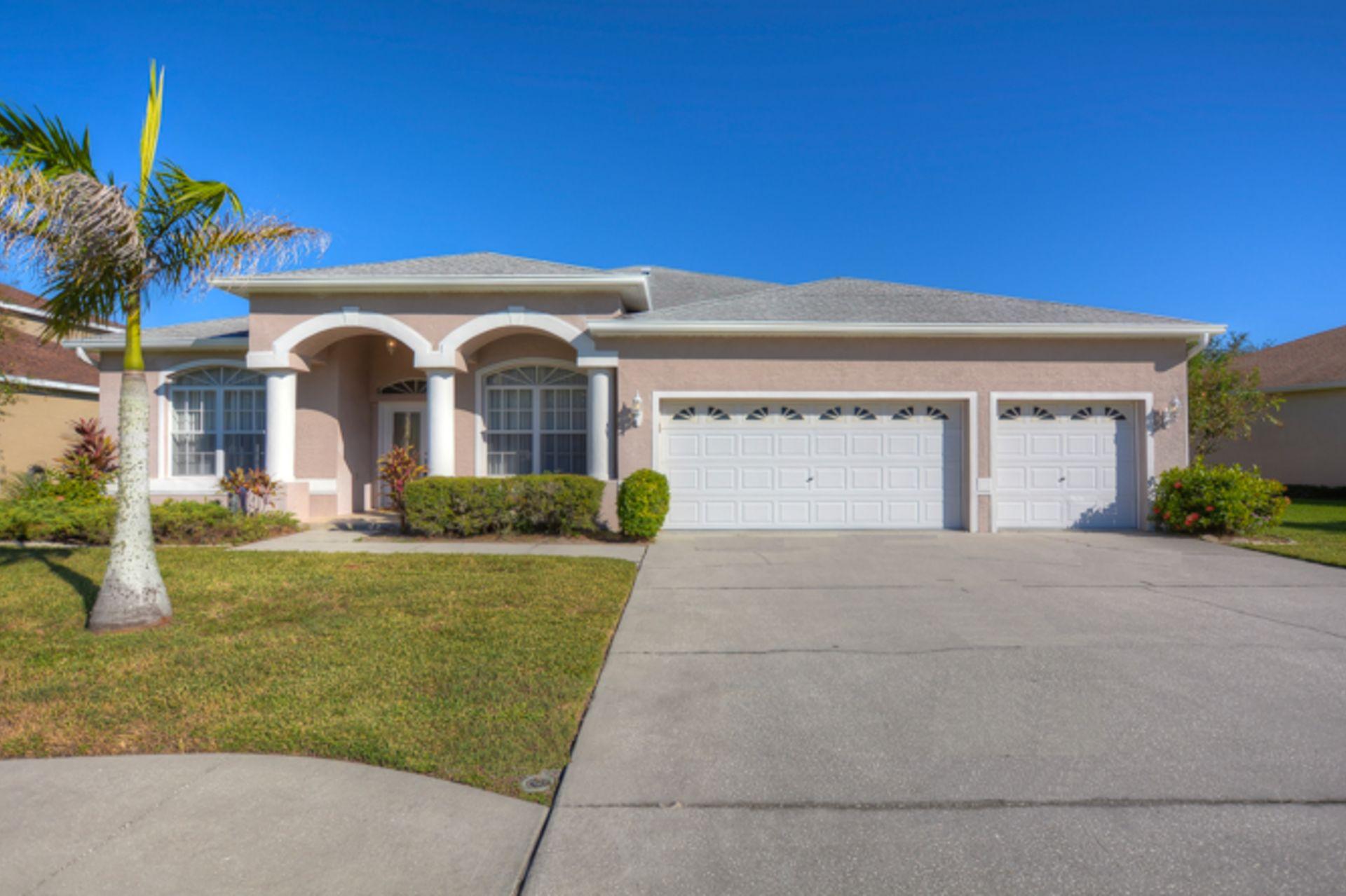 SOLD – 10904 Lynn Lake Circle, Tampa FL 33625