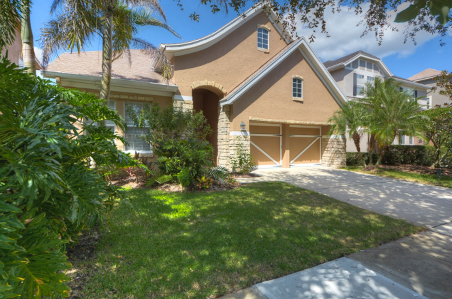 SOLD – 11605 Meridian Point Dr, Tampa, FL  33626