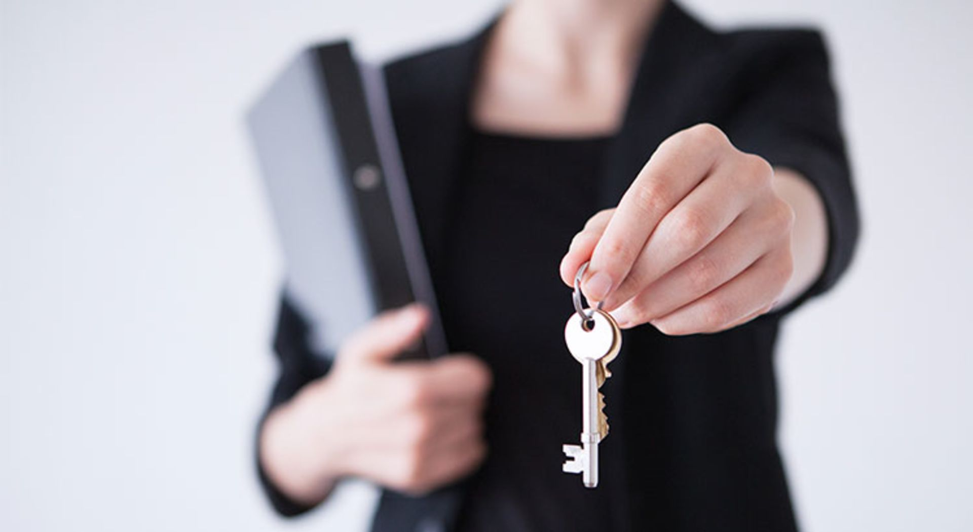 ​5 Reasons to Hire a Real Estate Professional When Buying or Selling!