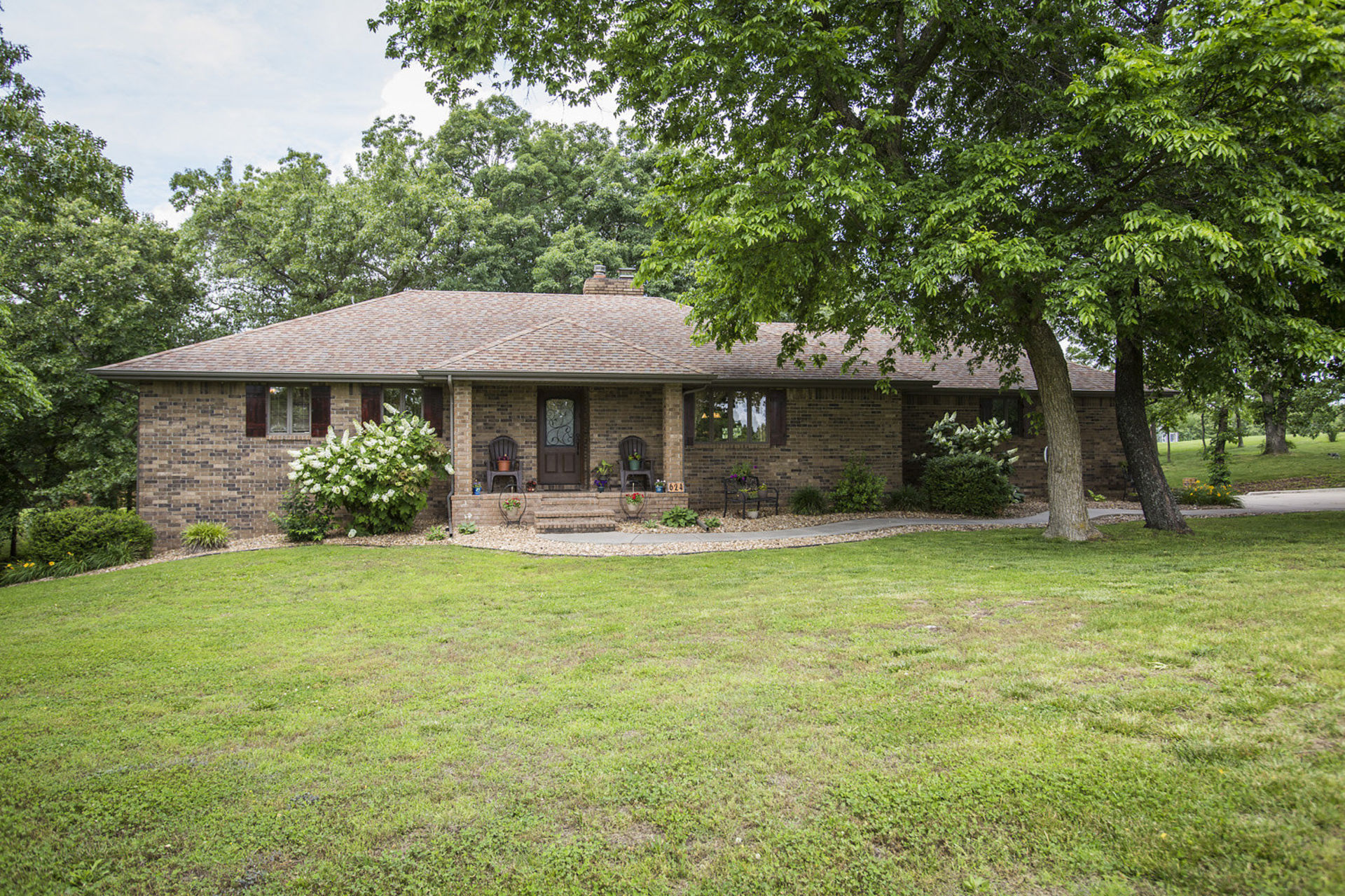 Just Listed in Nixa, Missouri 65714! House on 3 Acres with a Workshop