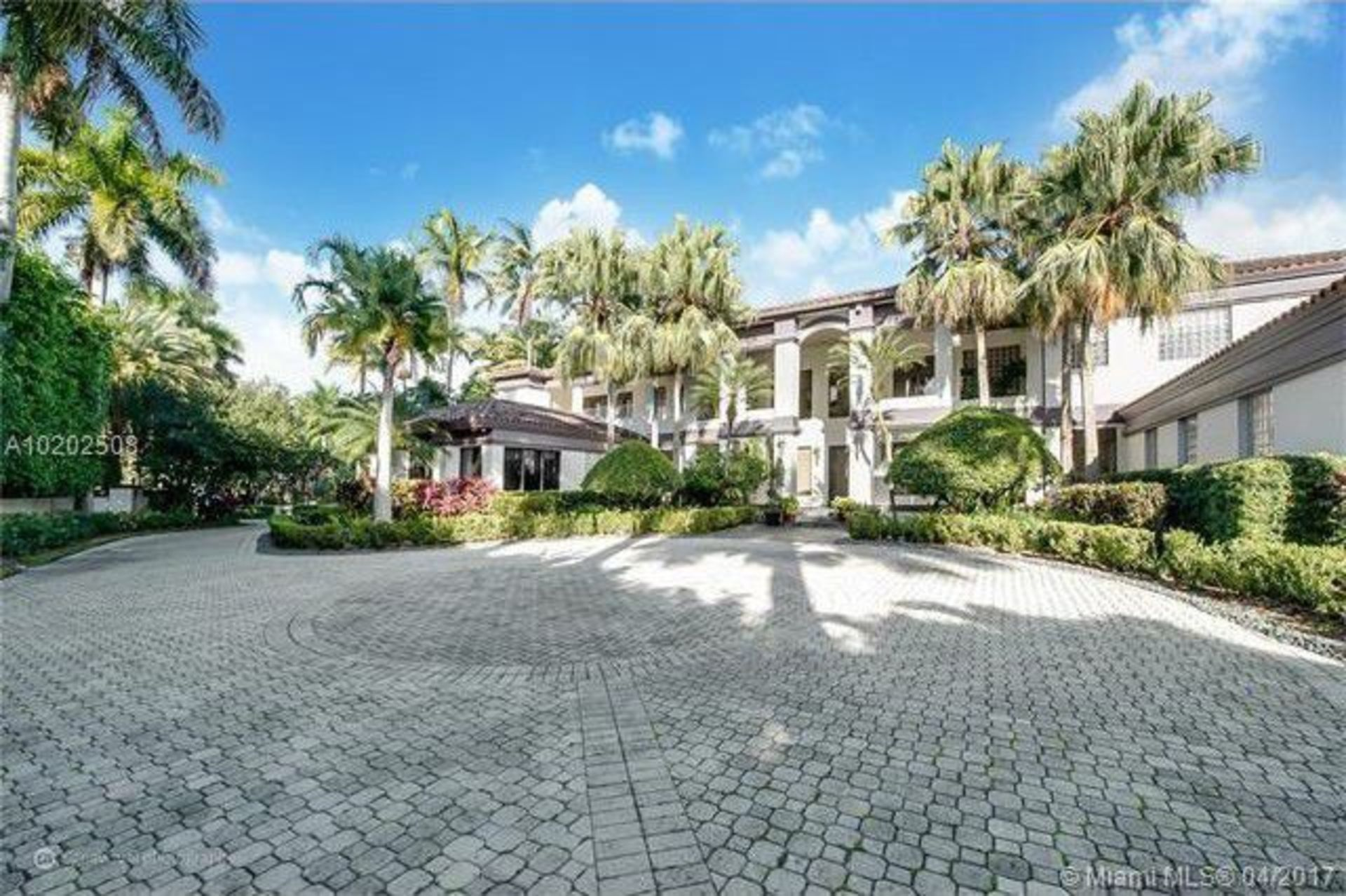 Timbaland's Miami Mansion Taken Off Market After Reported Real Estate Rumble