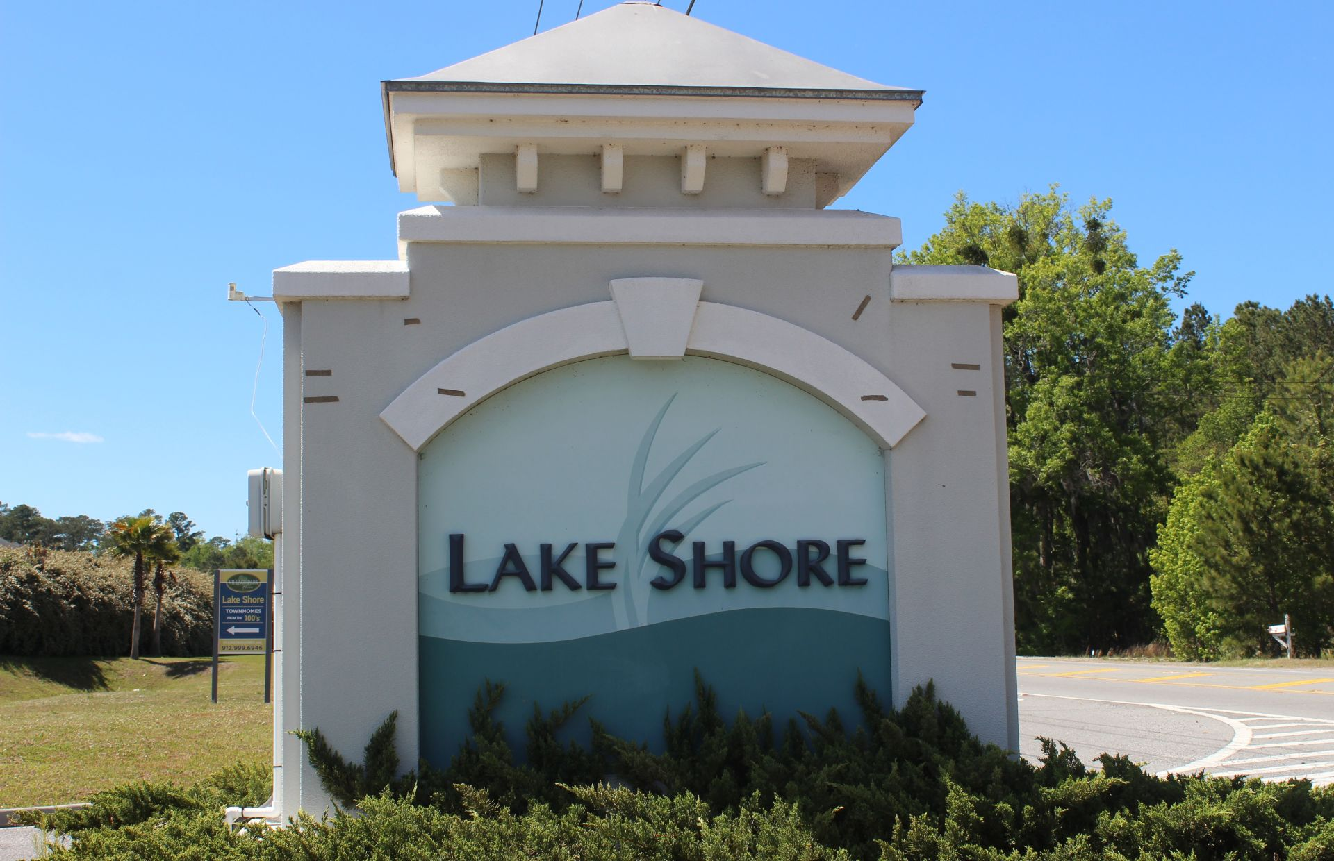 Homes For Sale in the Lake Shore Neighborhood in Port Wentworth GA