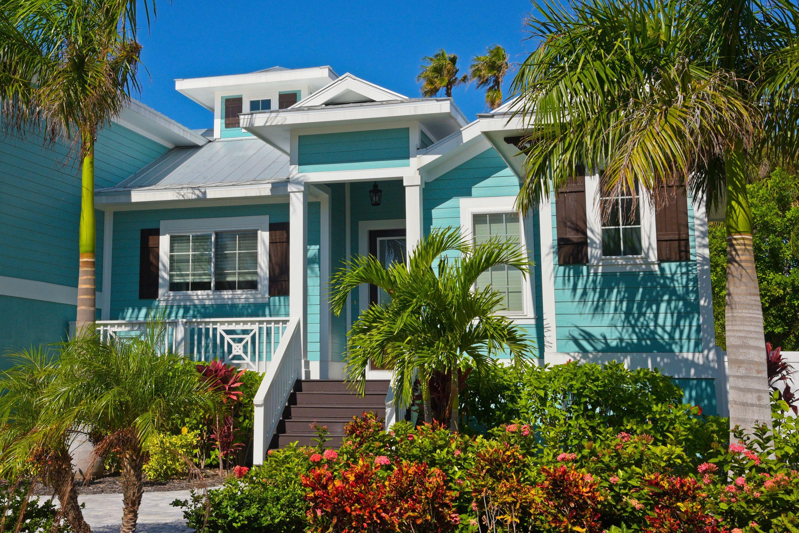 LAKE WORTH - Seashore Shelli - Real Florida Living
