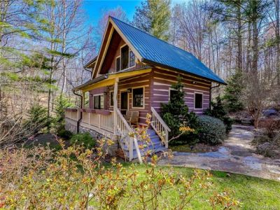 Custom Log Cabin on 84 Acres in Fairview