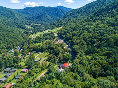 FOR SALE! Restaurant & Cabin Rental Business in Maggie Valley NC