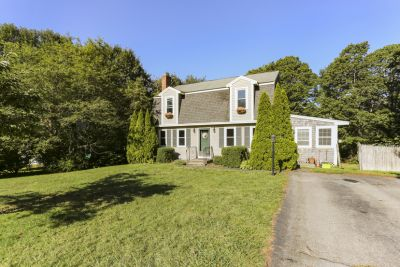 Open House Powerhouse this Weekend at Our New Listing: 19 Debbie Ct Plymouth