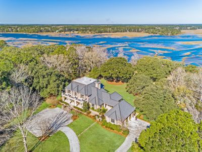 Magnificent 10-Acre Waterfront Estate on former Kiwi Farm – A unique gem in the heart of Mt Pleasant