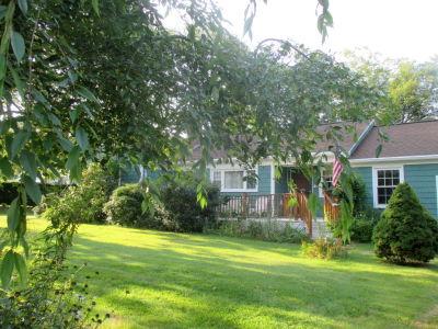 SOLD Beautiful Home on 2.08 Acres For Sale 1231 Wilbur Ave Swansea, MA | Lisa Glowacki Real Estate