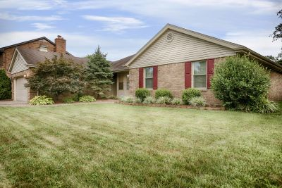 ALL-Brick Home in New Albany Boasts almost 2,000 sq ft on One Level