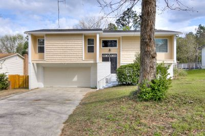 Must See, Fully Remodeled 4 Bedroom Home!