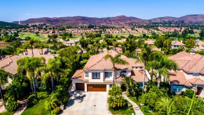 Stunning Gate Legacy Estates with VIEWS!